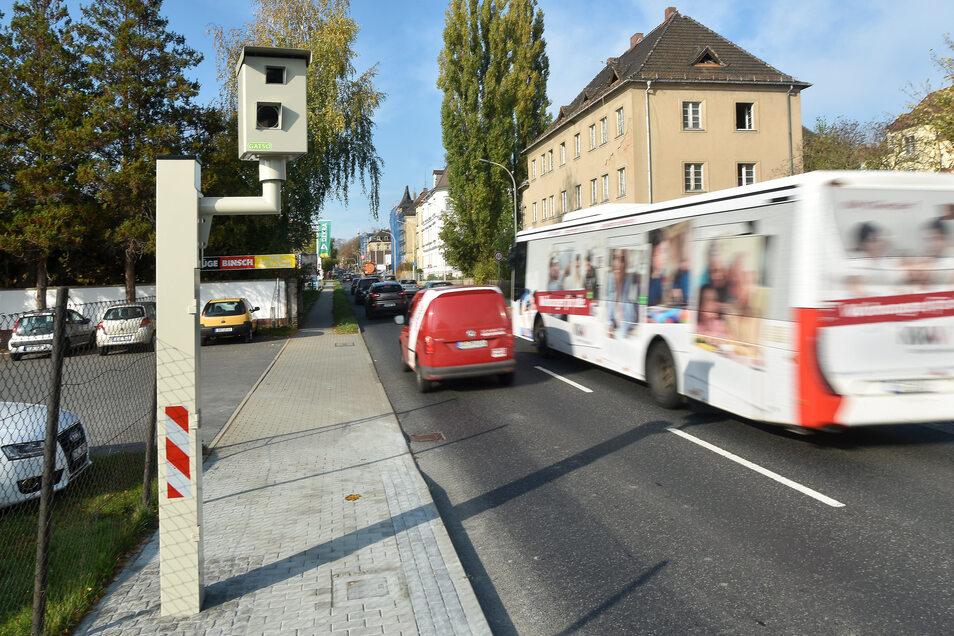 """Der Blitzer an der Dresdner Straße hat schon einige """"Rotsünder"""" fotografiert."""
