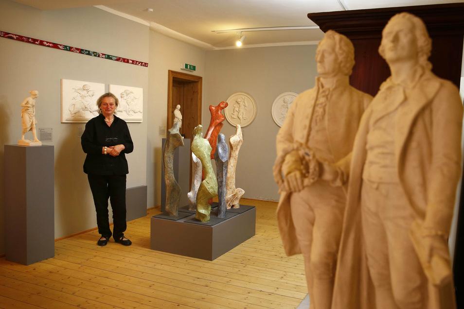 Kulturrings-Chefin Sabine Schubert im Ausstellungsraum: Vor 20 Jahren wurde in Pulsnitz die Galerie in Ernst Rietschels Geburtshaus eröffnet.