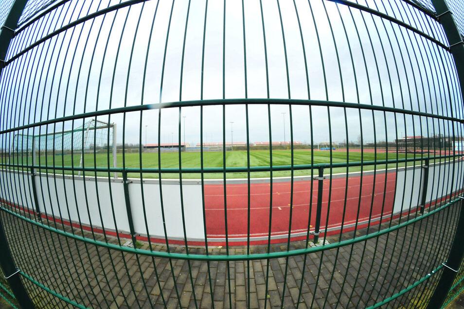 Verwaiste Sportstätten - damit wird man wohl jetzt einige Zeit leben müssen.