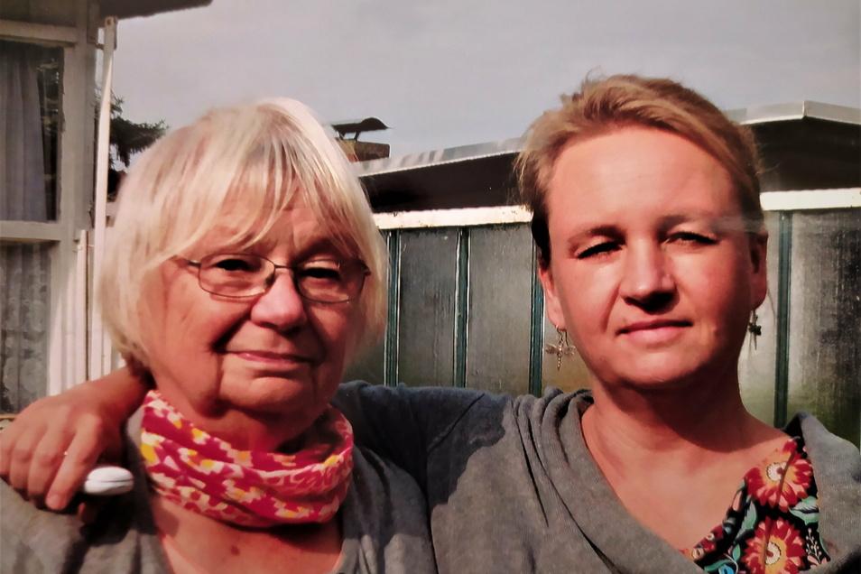 Vor einem Jahr entschied Antje Schmidt schweren Herzens, ihre Mutter Gertraud ins Seniorenheim zu geben.