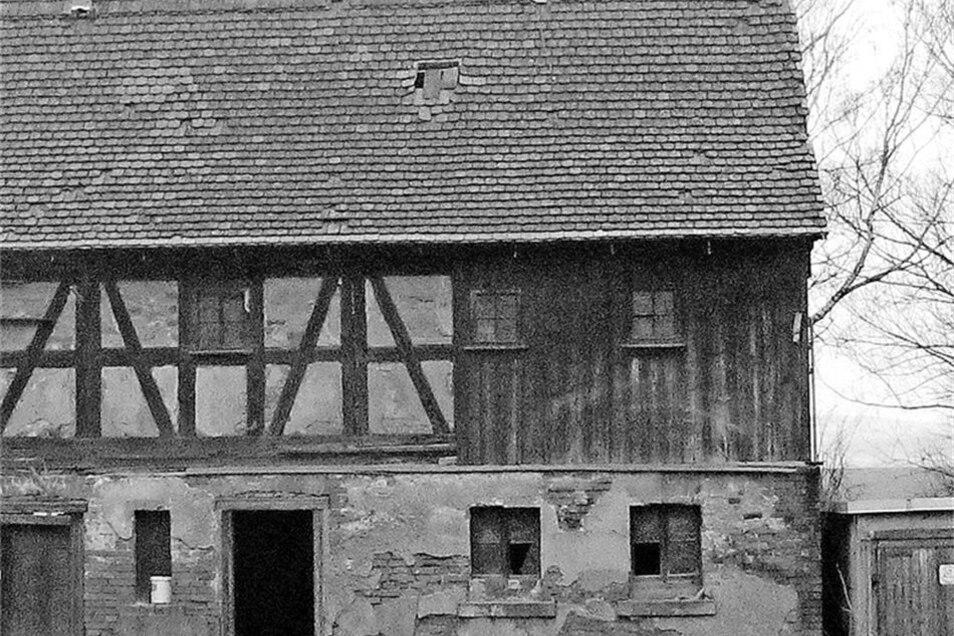 """Eigentlich war über dem Gedingehaus des Eckartsberger Bauernhofes bereits """"der Stab gebrochen"""". Doch der Heimatverein hat es geschafft, dass sogar der gesamte Bauernhof wieder genutzt werden kann. In dem Haus ist heute das Heimatmuseum von Eckartsberg unt"""