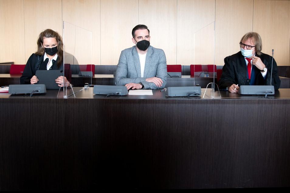 Der Prozess in der Kinderpornoaffäre um Ex-Fußballnationalspieler Christoph Metzelder endete bereits nach einem Verhandlungstag.