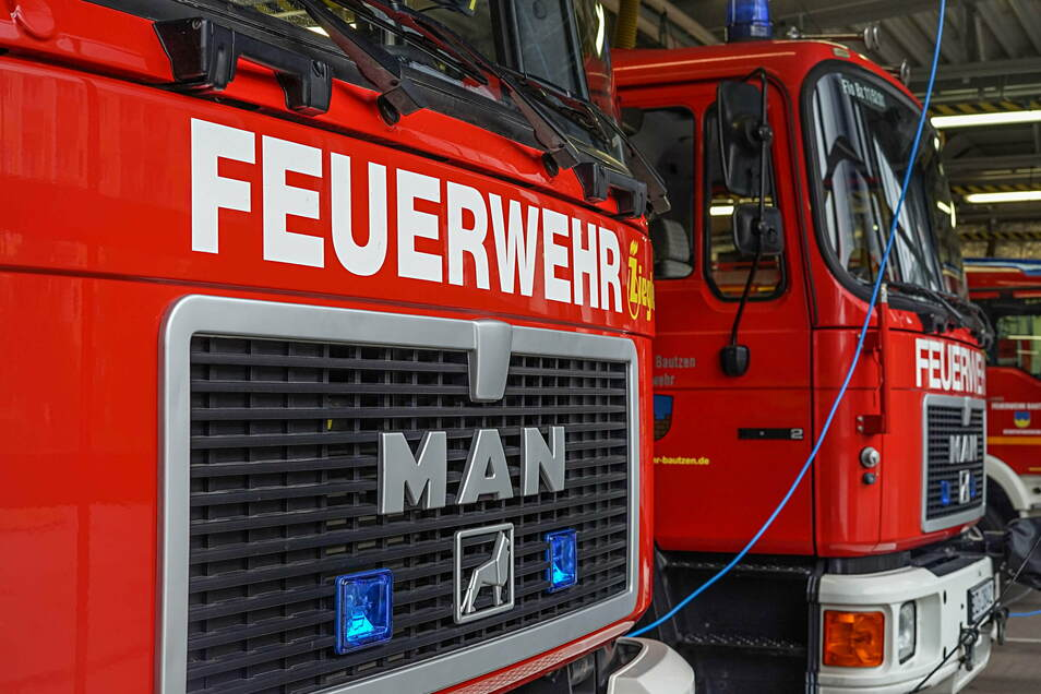Die Feuerwehr löschte ein Feuer auf der Grunaer Straße in Dresden. Verletzt wurde niemand.