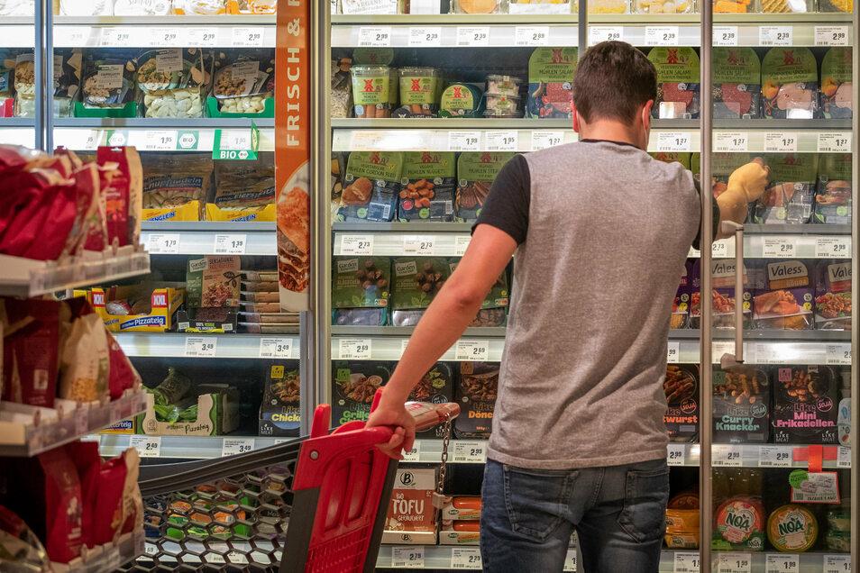 """Seit Beginn der Corona-Pandemie hat der Konsum von alternativen Lebensmitteln stark zugenommen, besonders im Bereich von """"Convenience Food""""."""