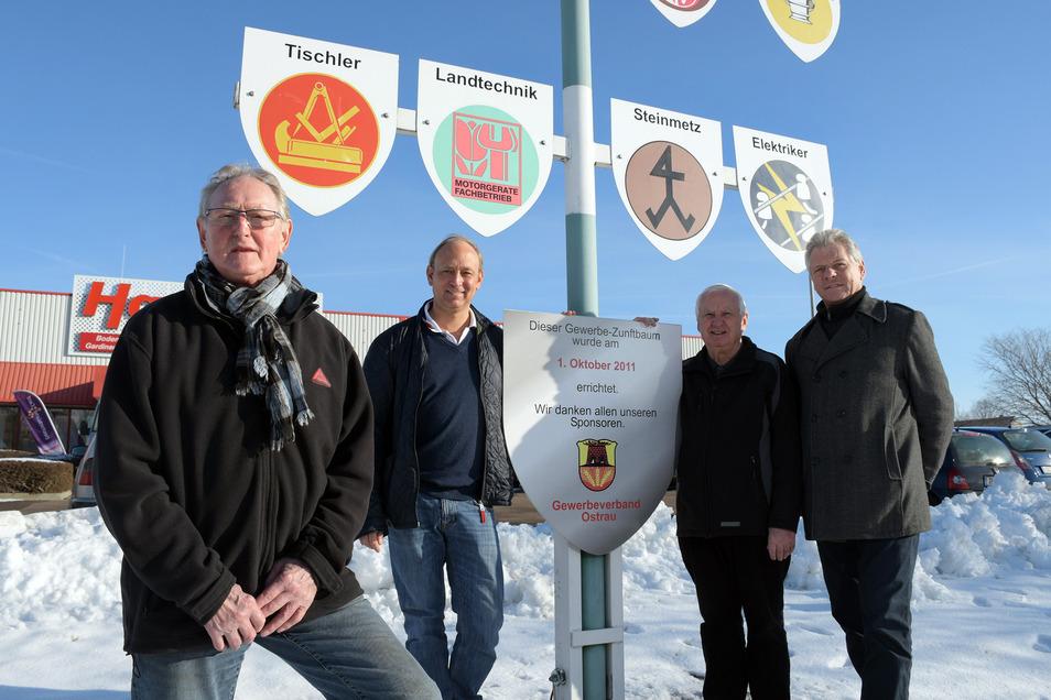Bernd Sonntag (von links) wurde für weitere vier Jahre als Vorsitzender des Gewerbevereins Ostrau gewählt. Auch Andreas Paas, Dieter Teichert und Olaf Baumgärtner gehören zum Vorstand.