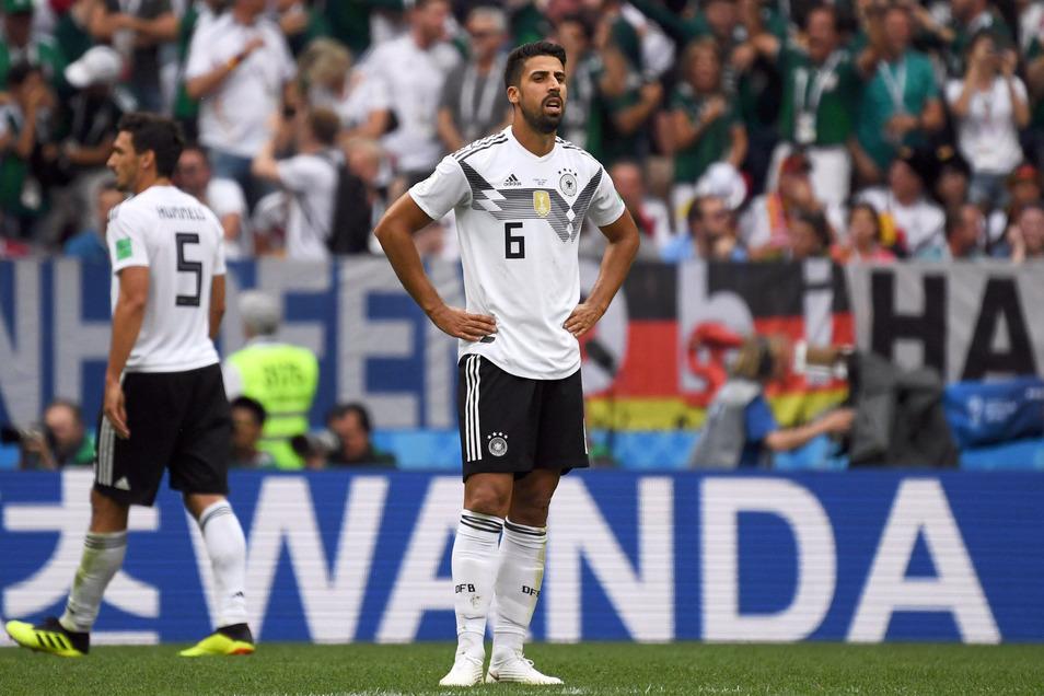 Sami Khedira war Löws erstes Umbruchsopfer nach der WM 2018. Der Bundestrainer teilte ihm mit, er wolle Platz und Raum schaffen auf der Sechserposition. Khedira spielt bei Juventus Turin. Er hat kürzlich einen Eingriff am Herzen gut überstanden.