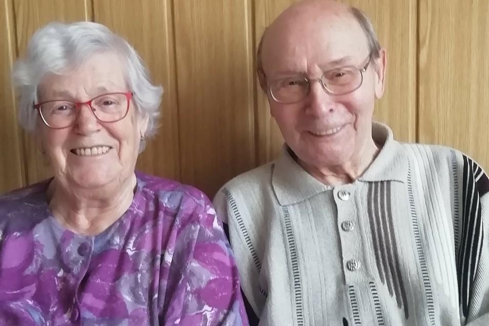 Erika und Wolfgang Engel sind seit 65 Jahren verheiratet.