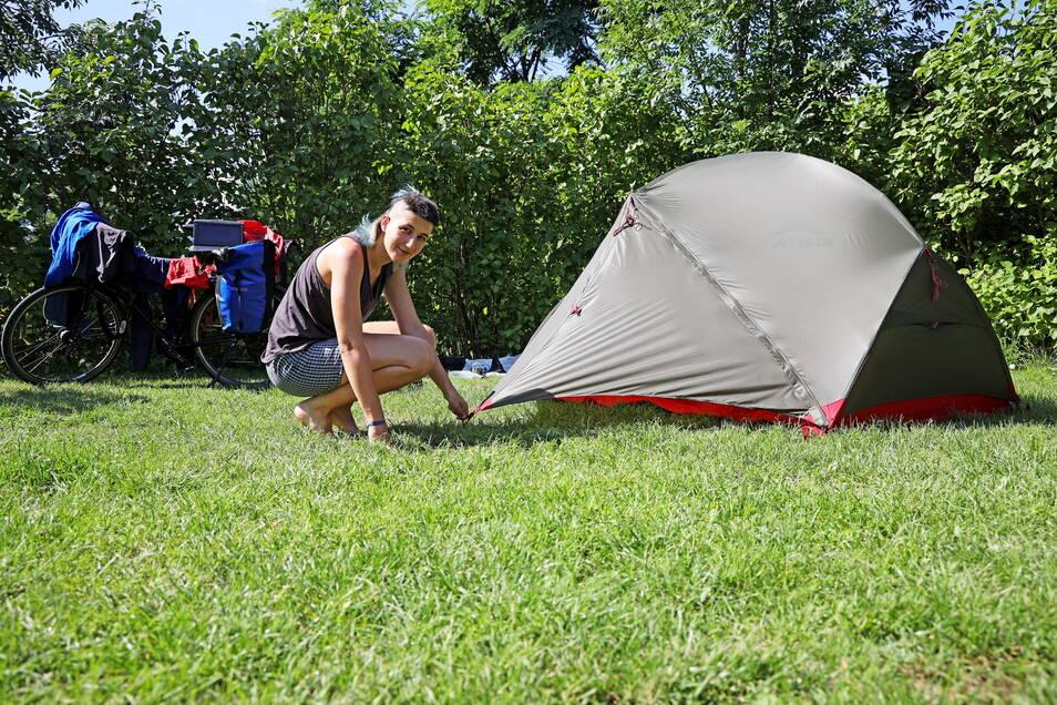 Die Berlinerin Laura Mirjam Walter hat eine Nacht auf dem Campingplatz verbracht. Nun geht es weiter Richtung Prag.