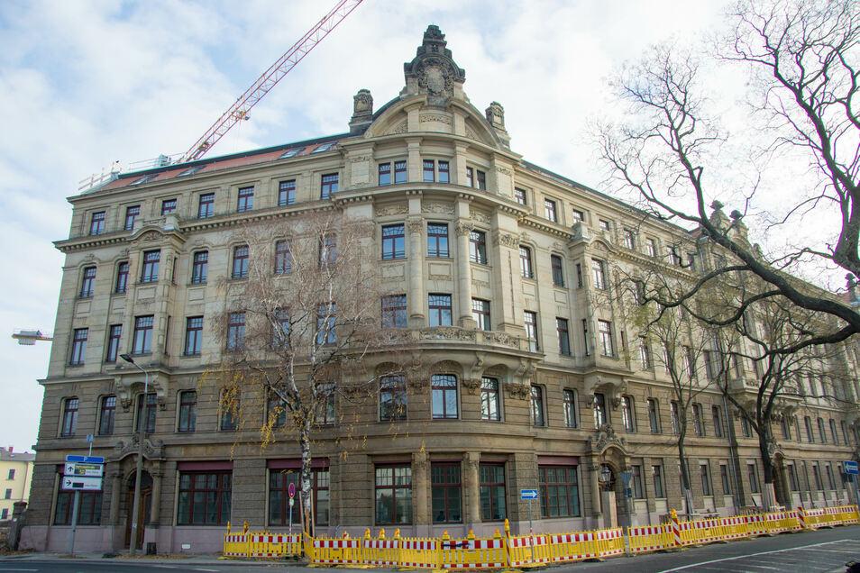 Die Gerüste am Palatium am Palaisplatz sind gefallen. Dort sind 52 Eigentumswohnungen ausgebaut worden.