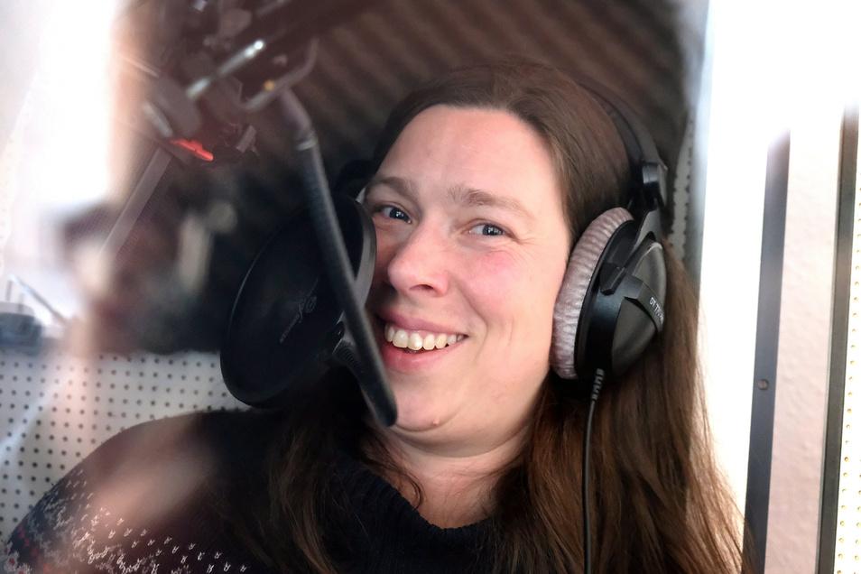 Kaja Sesterhenn, Sprecherin und Schauspielerin, sind wie vielen anderen selbstständigen Künstlern viele Aufträge weggebrochen.
