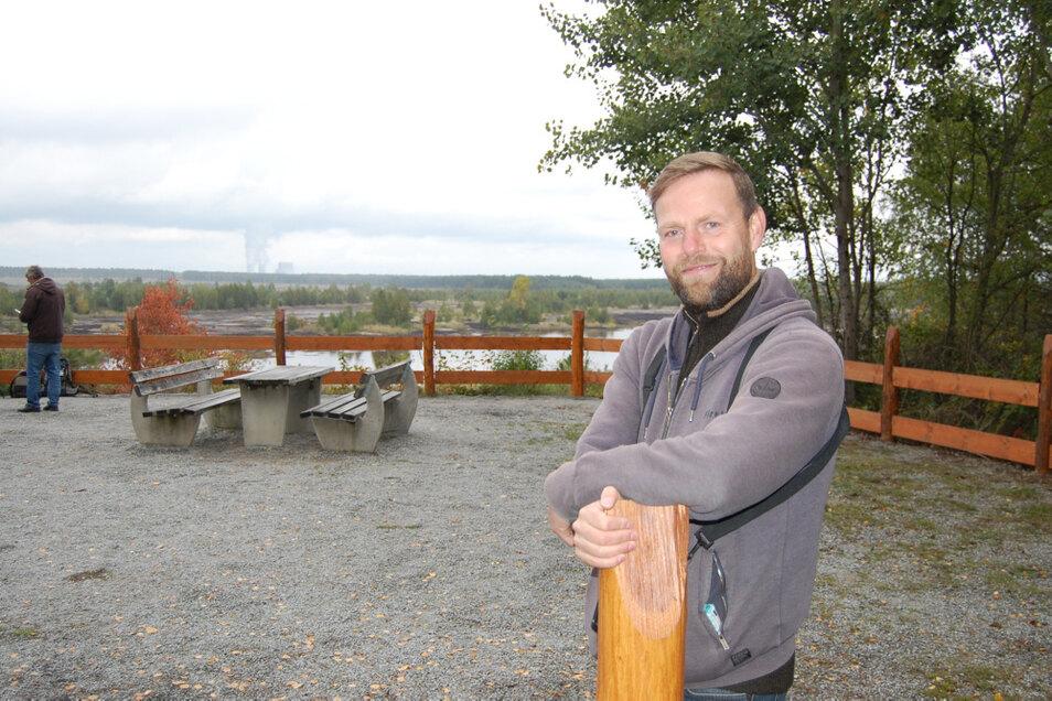 Stephan Kaasche aus Hoyerswerda fotografiert und filmt regelmäßig Tiere, die sich vom Bergener Aussichtspunkt aus beobachten lassen.
