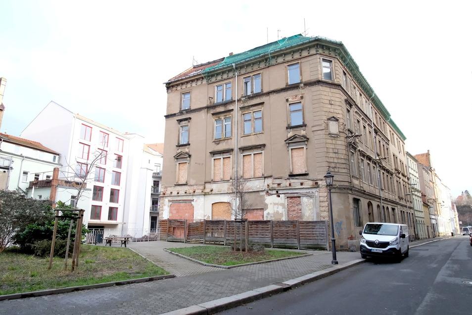 An der Fährmannstraße bereitet die SEEG Meißen die denkmalgerechte Sanierung einer ganzen Häuserzeile vor.