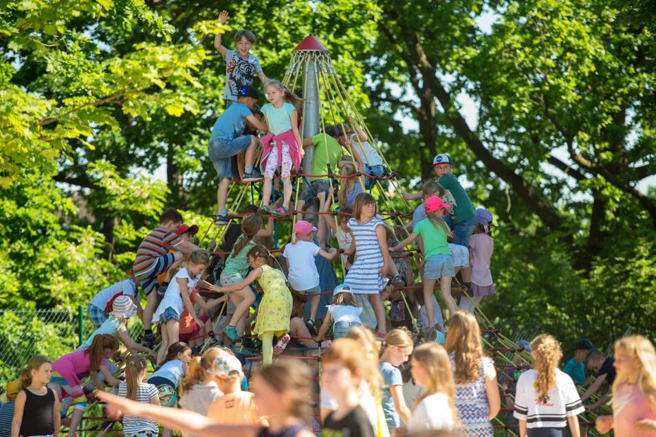 Die Schülerinnen und Schüler der Radeburger Grundschule feiern eine Woche lang Jubiläum.