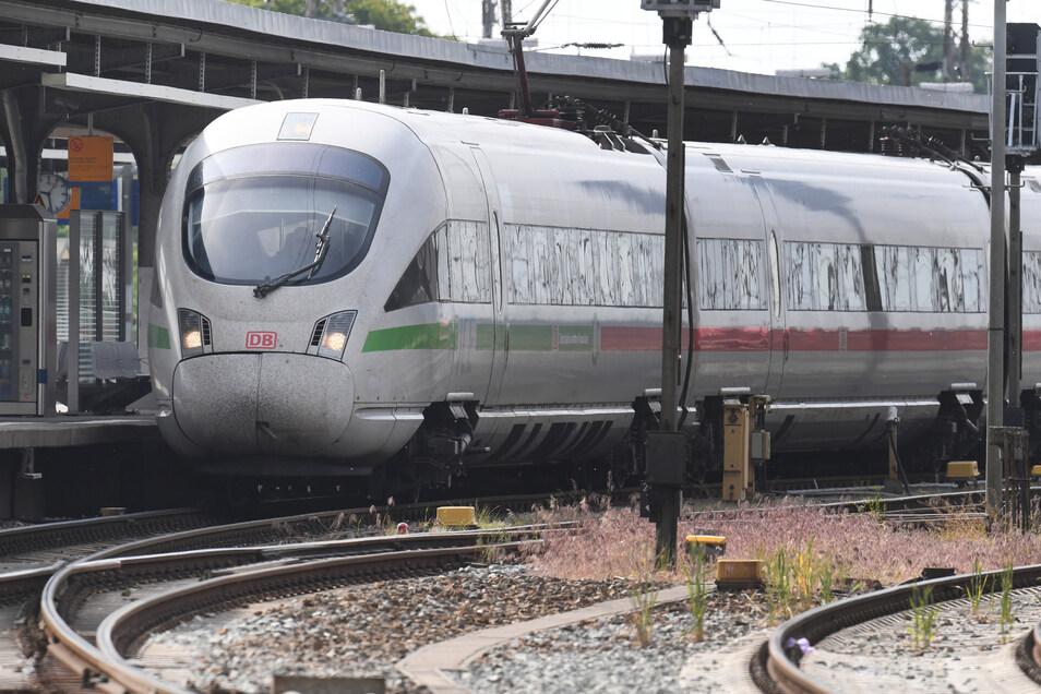 Die Züge füllen sich wieder, da kommt die Diskussion auf, ob ein Reservierungssystem nicht doch besser ist, als Corona-Prävention.