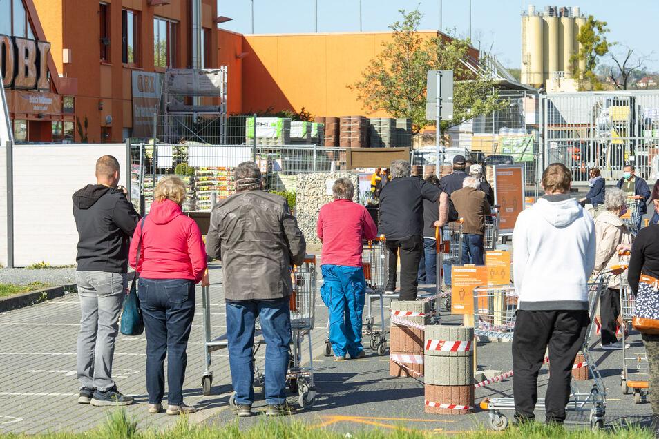 Der Obimarkt in Pirna war am Montag sehr begehrt.
