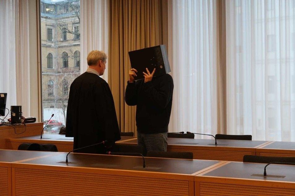 Dem Dresdner Tim M. wird Missbrauch und Vergewaltigung vorgeworfen.