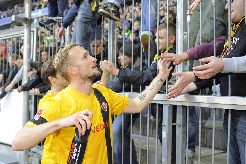 Der Dresdner Toni Leistner war bei den Dynamo-Fans beliebt, doch unter Trainer Peter Pacult verlor er die Lust bei seinem Heimatverein. Jetzt spielt er in England.