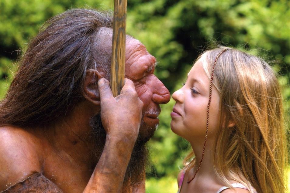 In unseren Genen leben die seit Zehntausenden Jahren ausgestorbenen Neandertaler fort. Im Museum Mettmann gibt es dazu noch die Begegnung der ganz besonderen Art.