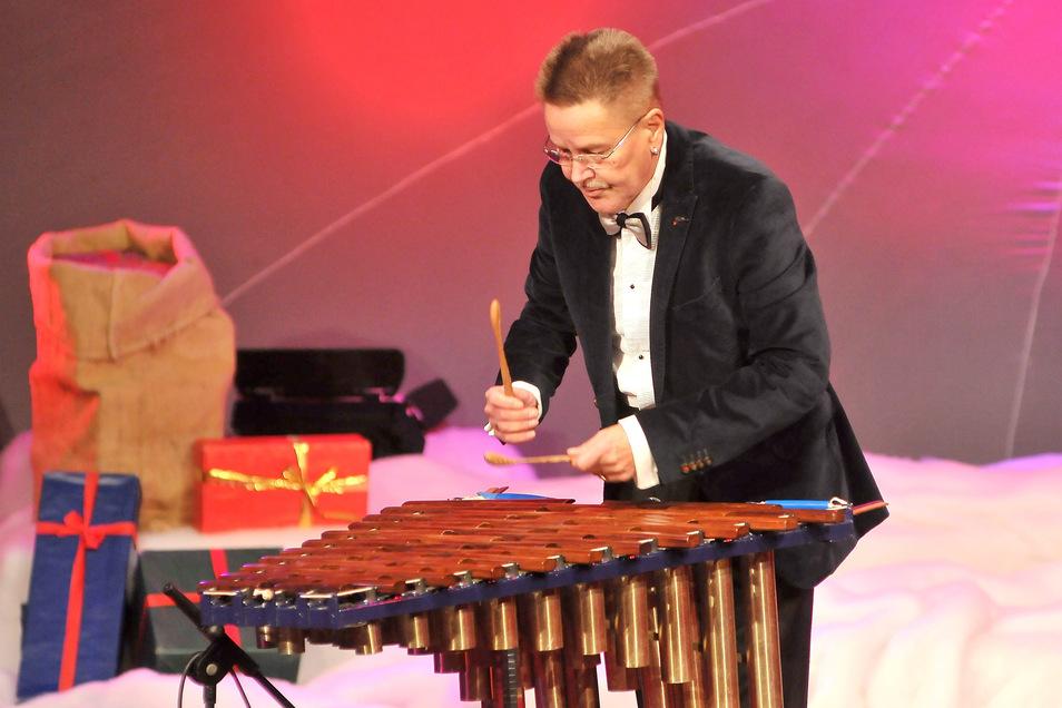 Verschmolzen mit seinem Xylofon: So wird Bernd Warkus in Erinnerung bleiben.