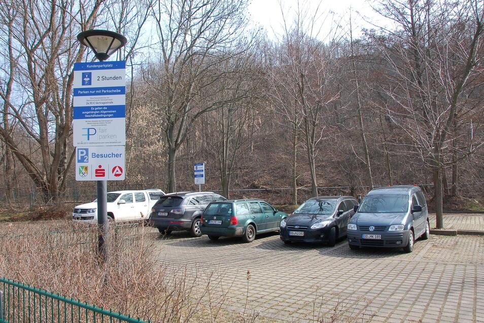 An der Deubener Straße wurde ein neuer Parkplatz für Besucher des Landratsamtes eingerichtet.