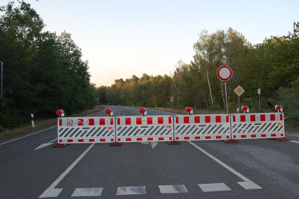 Kurz vor der Baustelle auf der B 97 bei Spreetal ist der Verkehr zum Erliegen gekommen. In Bluno hat er sich vervielfacht.