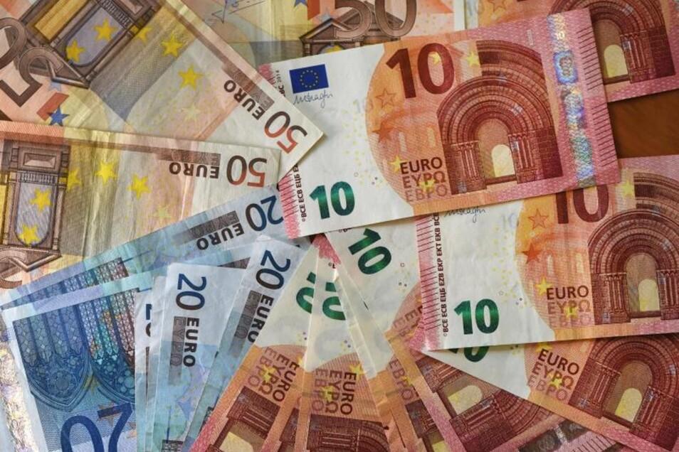 Die Deutschen sorgen für ein gutes Leben im Alter vor. 57 Prozent der Befragten legen regelmäßig Geld für die Altersvorsorge beiseite.