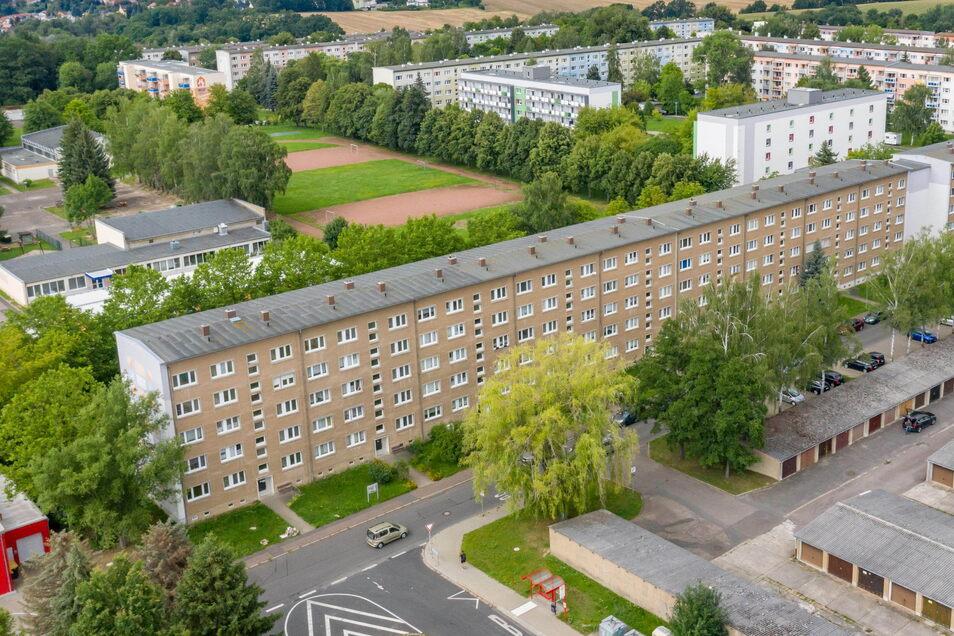 Die Wohnungsgenossenschaft Fortschritt wird im Oktober mit der Sanierung des langen Wohnblocks an der Unnaer Straße beginnen. Bis 2023 werden die ersten vier Häuser der Reihe umgebaut.