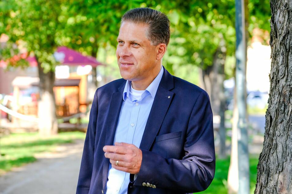 Alexander Wolf ist 56 Jahre alt und Finanzökonom. Seit vorigem Jahr steht der langjährige FDP-Stadtverbandschef auch der Stadtratsfraktion vor. .
