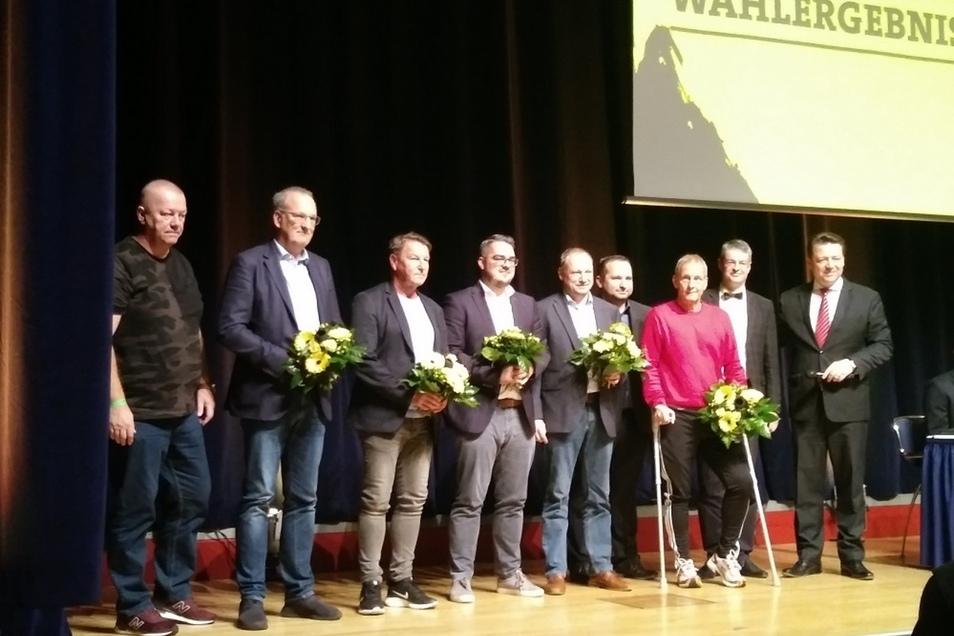 Das sind die neu gewählten Aufsichtsräte (und das Präsidium). Von links: Jens Hieckmann, Dr. Jürg Kasper, Dixie Dörner, Michael Ziegenbalg, Thomas Kunert, Vizepräsident Ronny Rehn, Jens Heinig, Vizepräsident Michael Bürger und Präsident Holger Scholze.