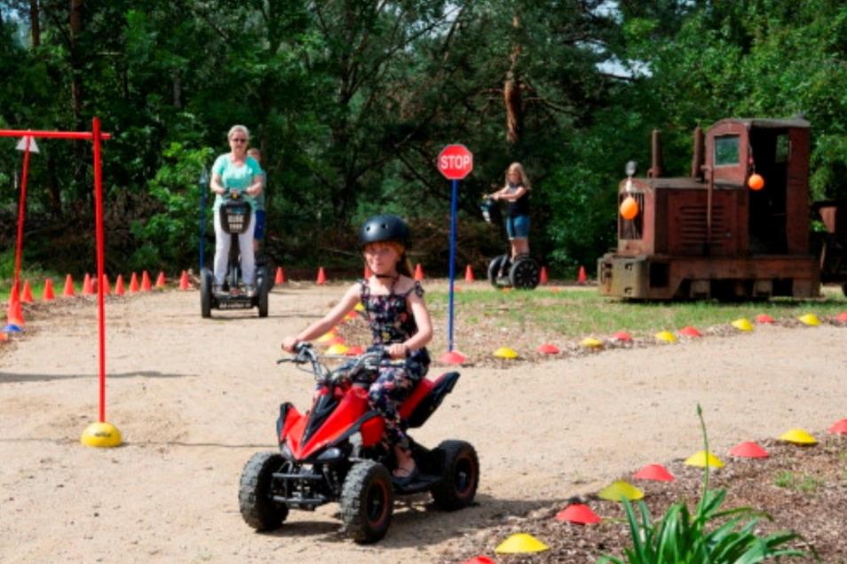 Der Segway-Park in Haselbachtal hat von Freitag bis Sonntag geöffnet. Für die kleineren Kinder gibt es Quads.