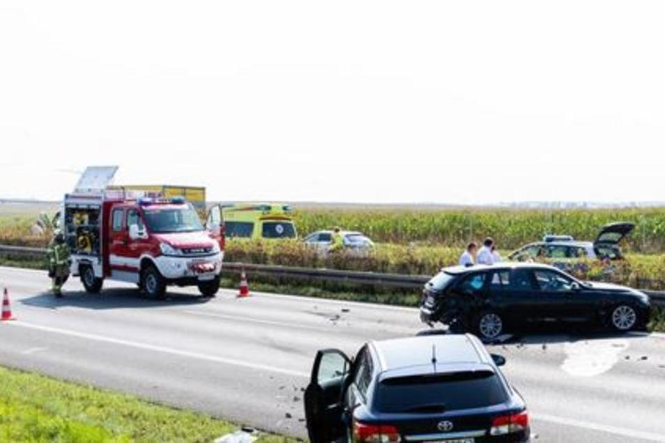 Auf der A 4 zwischen Pulsnitz und Ottendorf gab es am Freitag mehrere Auffahrunfälle.