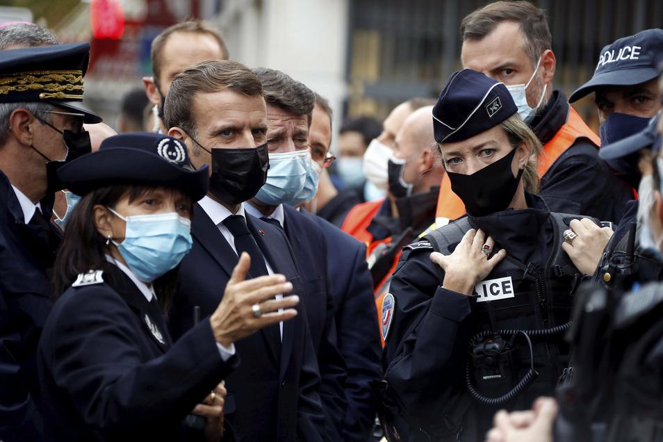 Emmanuel Macron in Nizza. Dort hat es kürzlich ein Attentat gegeben.