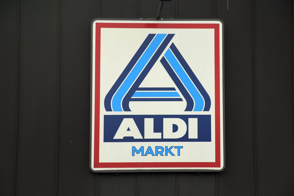 Wegen gesunkener Schweinefleisch-Preise fordert Aldi rasche Preissenkungen bei Wurstprodukten.