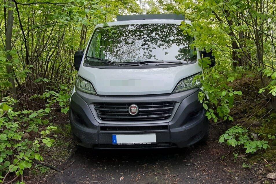 Der Fiat Ducato stand in einem Wald in Bogatynia.