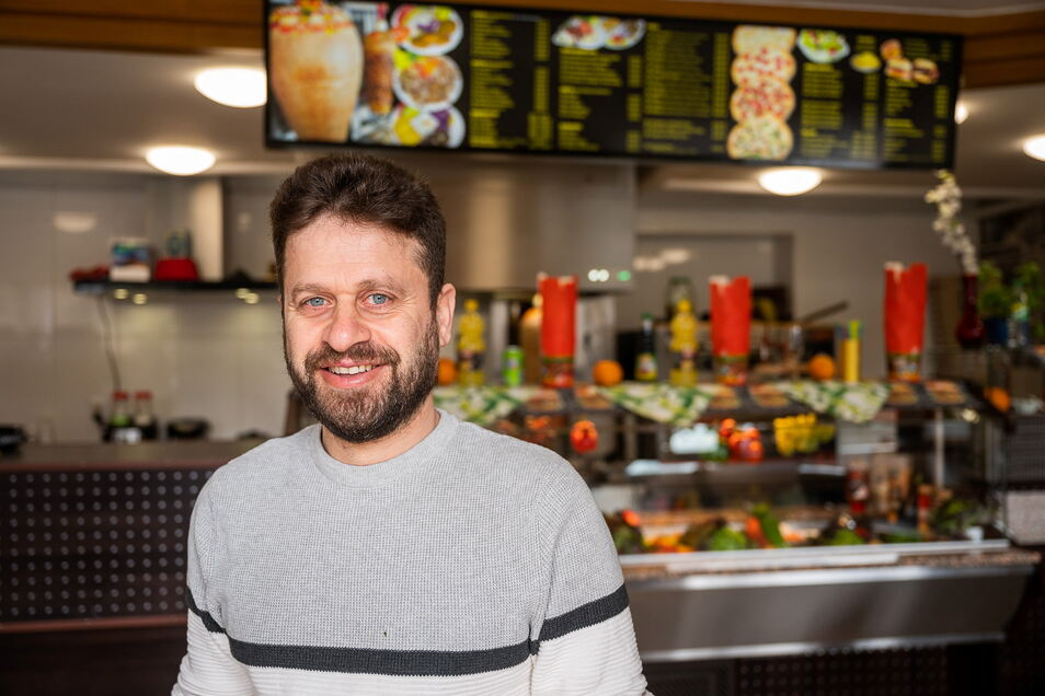 """Mohamad Badr Eddin Haboush in seiner neuen """"Pizzeria Maria"""" in der Görlitzer Südstadt: Er würde gern noch weitere Geschäfte eröffnen."""