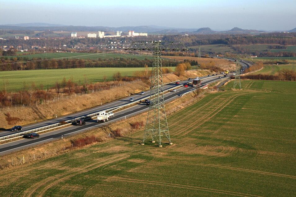 Rechts und links des Zubringers zur A17 ist in Pirna, Heidenau und Dohna viel Platz für die Ansiedlung von Gewerbe. Die Meinungen über das Wie gehen inzwischen immer weiter auseinander.