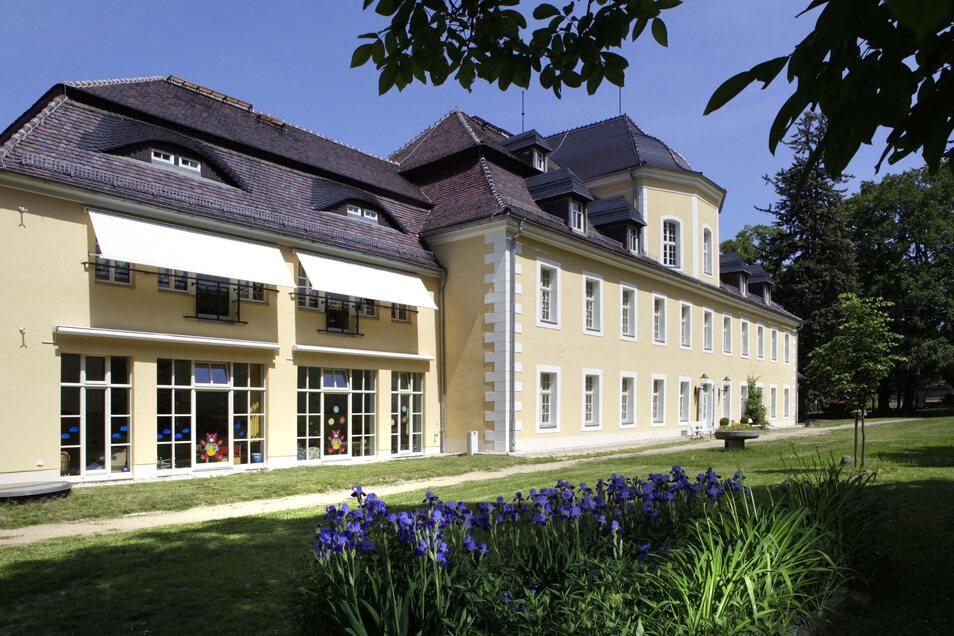 Spielen im früheren Herrschaftssitz: Im Kittlitzer Schloss ist die Kita des Ortes untergebracht.