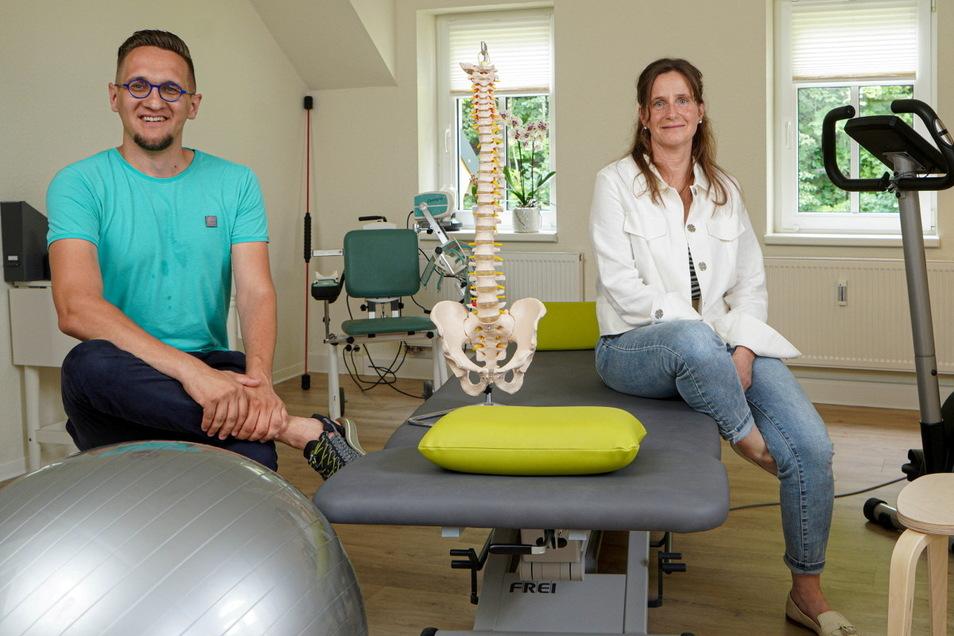 Seit Anfang Juli ist die Physiotherapie-Praxis Herzkammer im Dachgeschoss des Cunewalder Gesundheitszentrums untergebracht. Ab September wird Alexander Stöhr sich die Leitung mit der bisherigen Praxisinhaberin Simone Herz teilen.