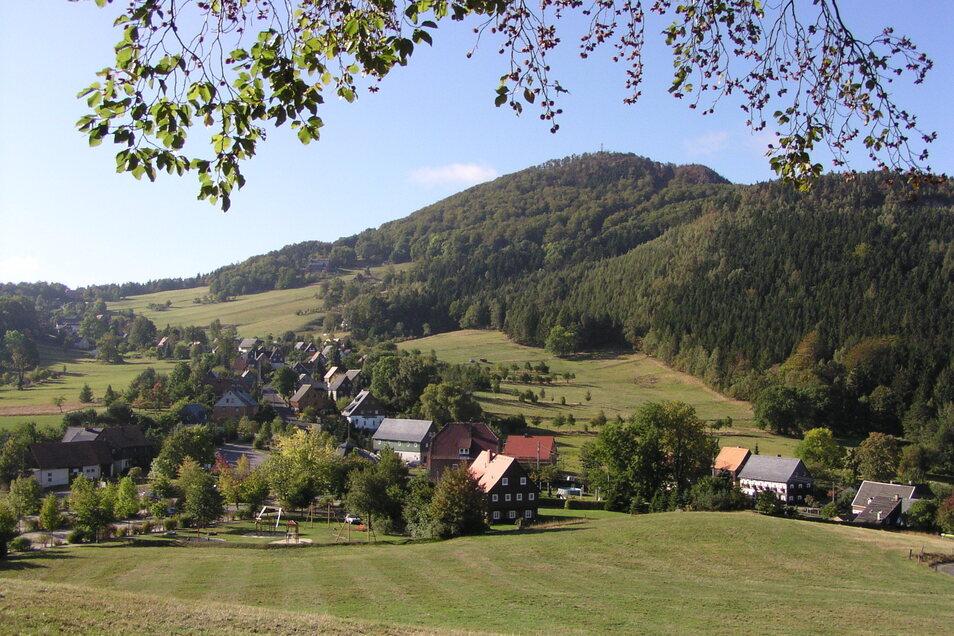 Blick auf Waltersdorf und Lausche.