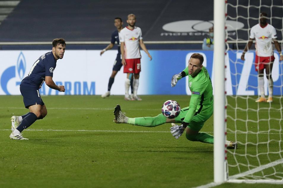 Der Schlusspunkt: Der ehemalige Bayern-Profi Juan Bernat trifft zum Endstand.