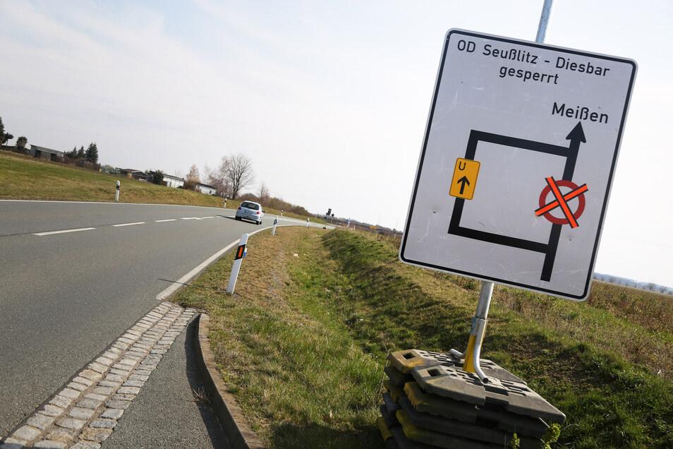 Zwischen Leckwitz und Merschwitz gibt es schon einen Hinweis: Ab dem 31. März ist die kürzeste Verbindung zwischen Nünchritz und Meißen dicht.