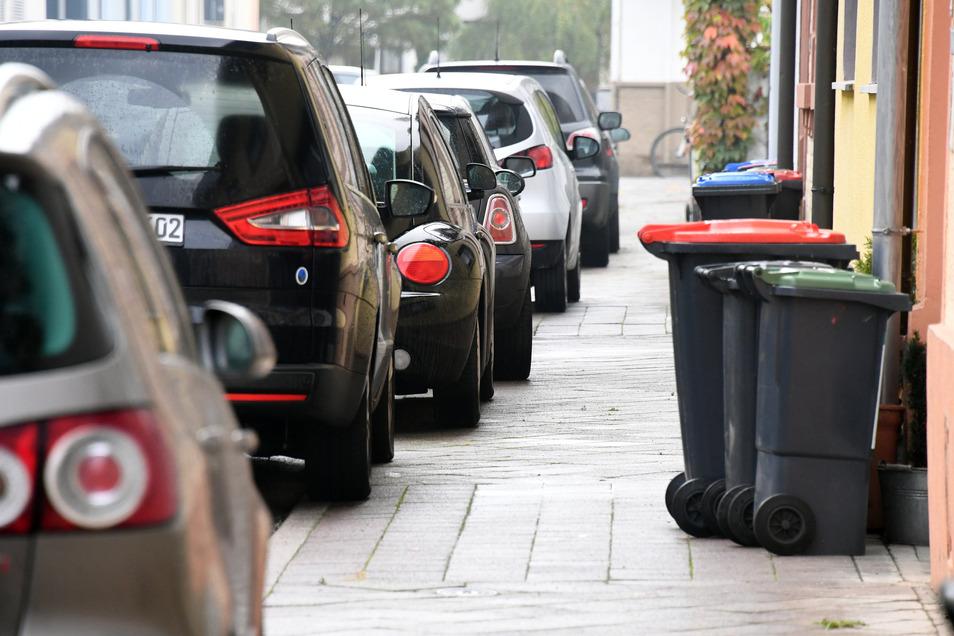 Der Verkehrsausschuss des Bundesrats schlägt vor, die Gebühren für Anwohnerparkplätze zu erhöhen. Er schlägt eine Obergrenze von 240 Euro vor.