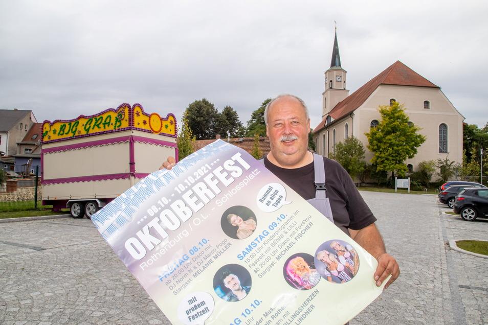 Maik Klyk organisiert das Oktoberfest auf dem Schlossplatz in Rothenburg. Es gilt als Ersatzveranstaltung für das ausgefallene Sommerfest.