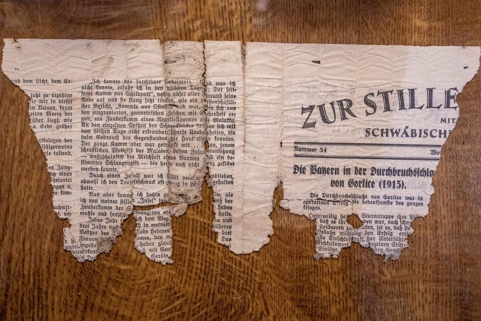 Einen Zeitungsschnipsel hat Albrecht Bergmann in einem Pulverfass gefunden. Der gibt ihm Rätsel auf.
