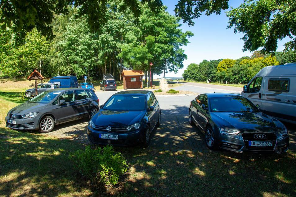 Noch kostenlos, bald nur noch gegen Gebühr: Parken auf dem Wanderparkplatz in Uttewalde.