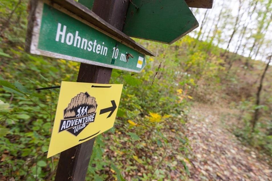 Neue Schilder, neue Bewegung. In Hohnstein freut man sich.