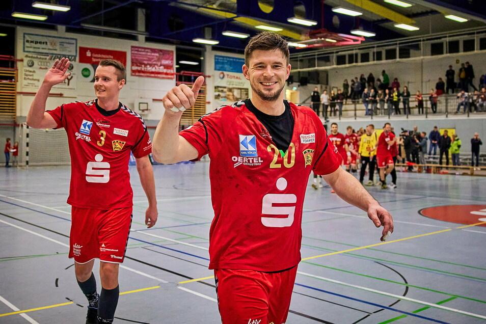 Kapitän Torsten Schneider (rechts) und Christian Möbius werden auch in der Saison 2021/22 bei der SG Pirna Heidenau unter Vertrag stehen.