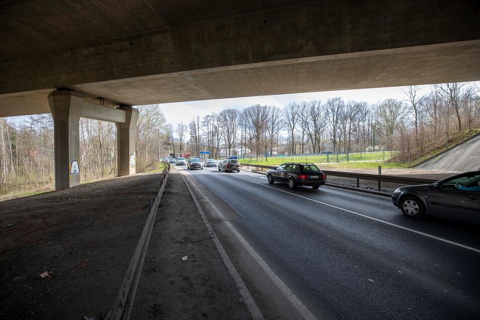 Entlang der Straße zwischen Wilsdruff und Klipphausen soll die Geh- und Radweglücke geschlossen werden.