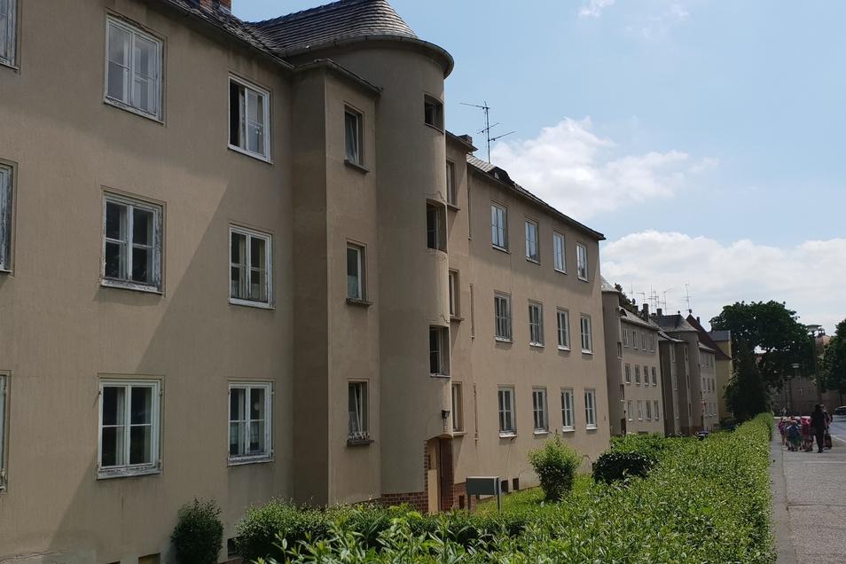 Kaum noch bewohnt sind die Gebäude des städtischen Wohnungsunternehmens an der Kantstraße.