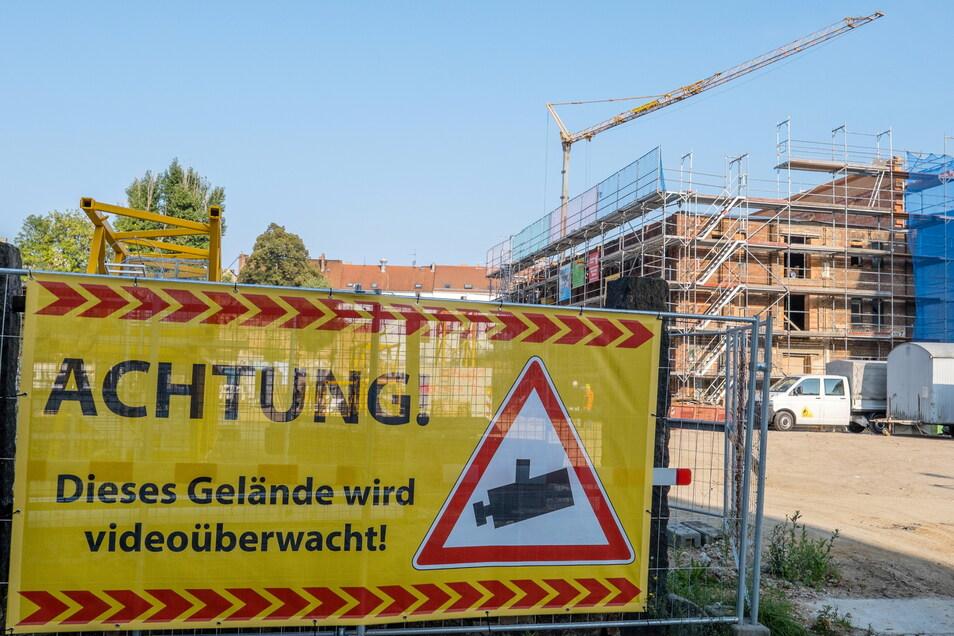 Die Senckenberg-Baustelle an der Görlitzer Bahnhofstraße: Jetzt gibt es hier Videoüberwachung.